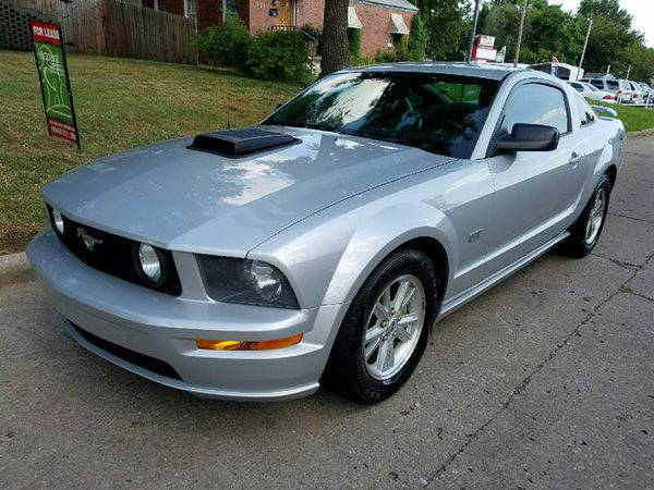 2005 *Ford* *Mustang* GT Deluxe 2dr Coupe -CREDIT REPAIR!!!! DRIVE TOD