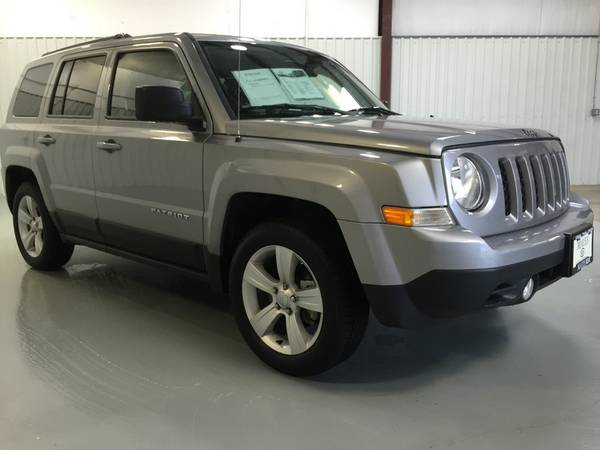 2014 JEEP PATRIOT**WOW*ONLY 26K MILES*NICE*ALLOY RIMS*FACTORY WARRANTY