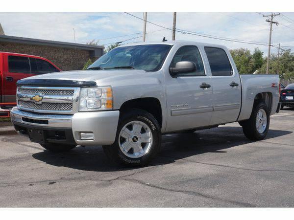 2011 *Chevrolet* *Silverado* *1500* LT