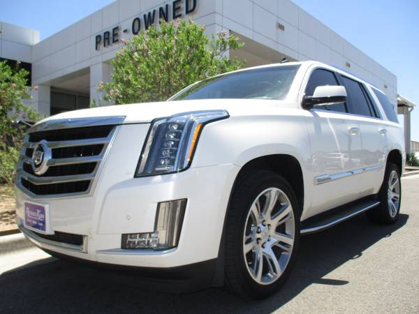 2015 CADILLAC ESCALADE SUV / NAV / SUNROOF / LEATHER / ONLY 20,000 M !