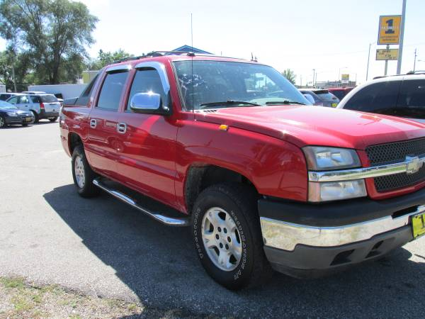 2005 CHEVROLET AVALANCHE SOLD