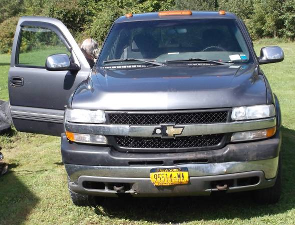 2002 Chevy Silverado 2500 HD 4x4 Truck