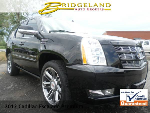 2012 Cadillac Escalade PREMIUM ONLY 66,000 MILES TOP OF THE LINE...