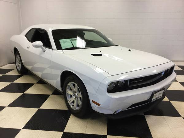 2014 DODGE CHALLENGER SXT BAD BOY! EXCELLENT CONDITION! LOW PRICE!