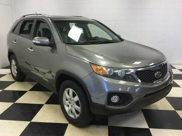 2011 KIA SORENTO LX PERFECT IN AND OUT! LOW PRICE!! MUST SEE!!