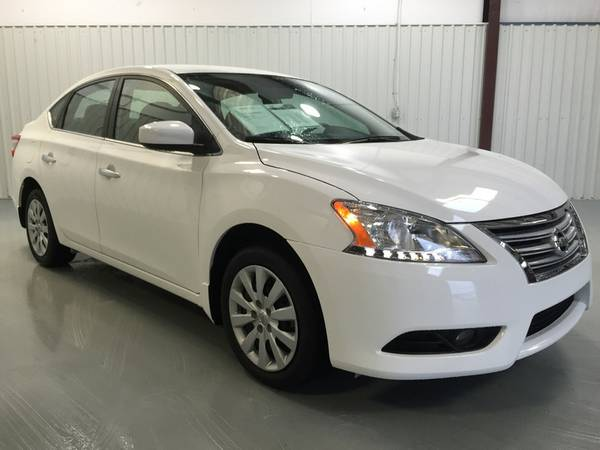 2015 NISSAN SENTRA**WOW ONLY 4,000 MILES**FACTORY WARRANTY**AUTOMATIC*