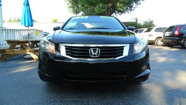 2009 Honda Accord Sedan - Leather, Sunroof, Financing
