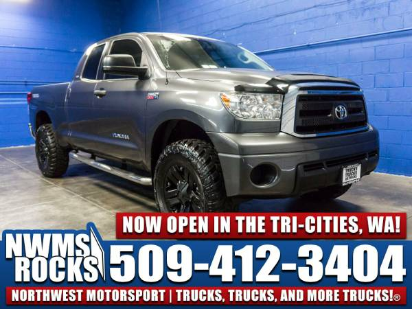 Lifted 2012 *Toyota Tundra* SR5 4x4 - Clean Carfax History! 2012 Toyot