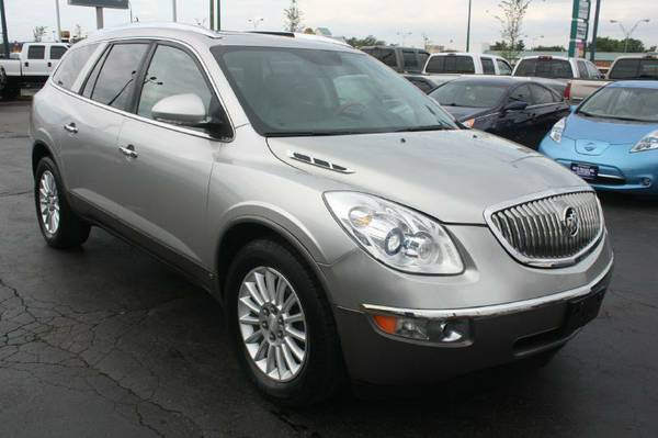 2008 Buick Enclave-AWD, Heated Leather, 3rd Row, Sunroof