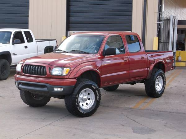 2002 Toyota Tacoma SR5 TRD Off Road 4x4. V6 Engine!