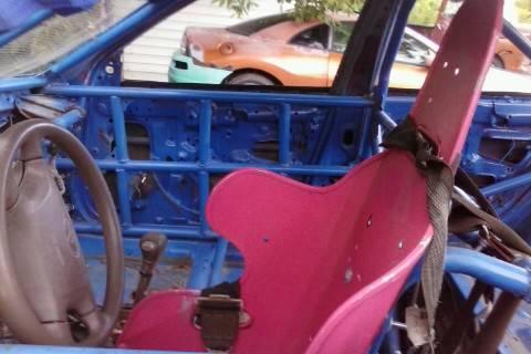 A 4 cylinder race car