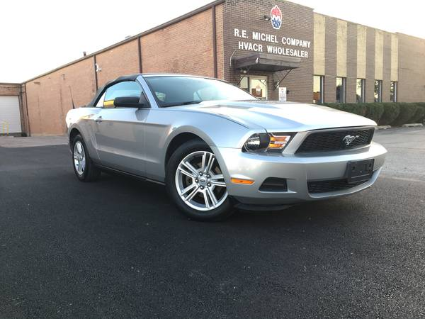 2010 Ford Mustang V6 Premium Convertible, No Xident, No Rust, Clean