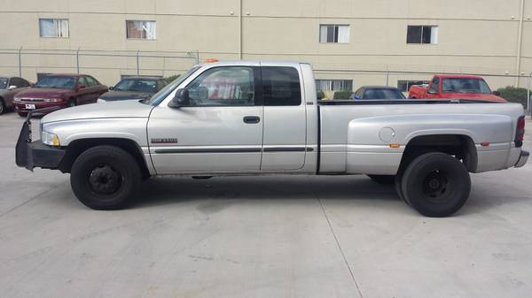2002 Dodge Ram 3500 5.9L Cummins Diesel - One Owner