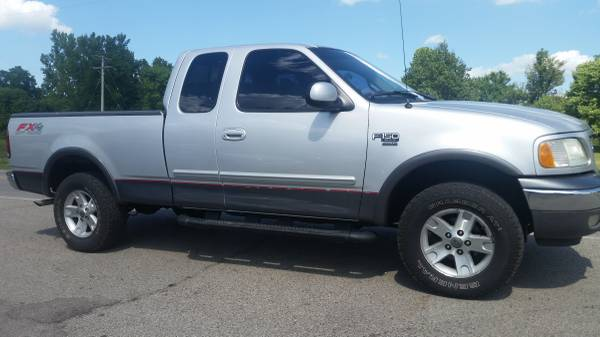 02 FORD F150 EXT CAB 4X4 FX4- LOW MILES- AUTO, CLEAN/ SHARP - 2 TO SEE