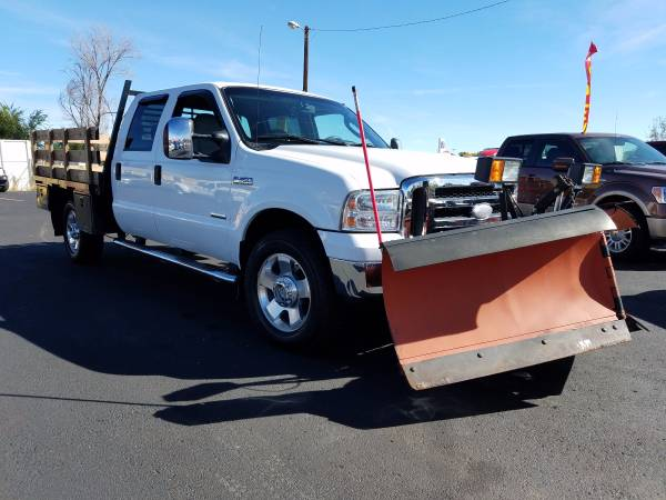 2007 Ford F350 Crew Cab Powerstroke 4x4 Flatbed Plow truck