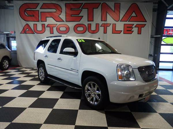 2008 GMC Yukon Denali AWD NAVIGATION ROOF REAR DVD PWR GATE