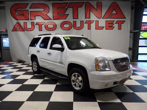 2008 GMC Yukon Denali AWD 1 OWNER 100K NAV ROOF QUADS REAR DVD