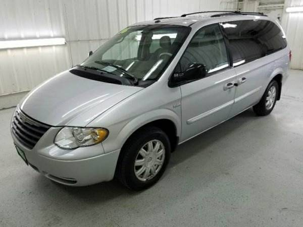 2006 Chrysler Town & Country LWB Touring DVD & Navigation