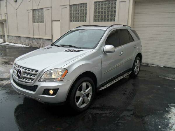 2010 Mercedes ML350 4MATIC CLEAN CARFAX! Luxury Must See (WE FINANCE)