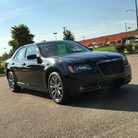 2014 *Chrysler* *300* S AWD 4dr Sedan -EVERYBODY RIDES PROGRAM