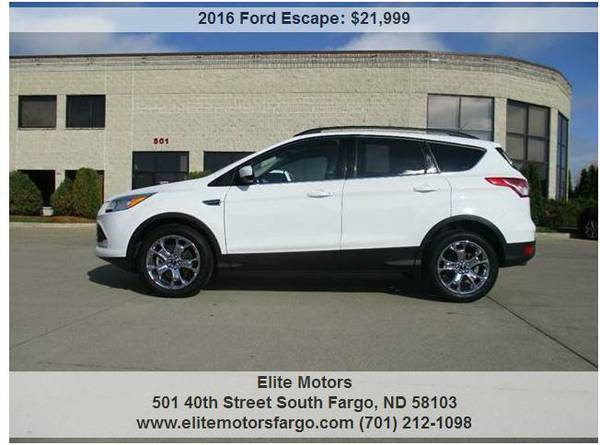 2016 Ford Escape, 4WD, Sunroof, Nav., Heated Seats, Chrome Wheels, 19K