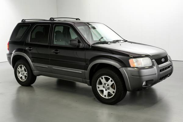 2004 Ford Escape XLT, 4X4, Sun Roof, New Tires, Very Clean & Sharp!