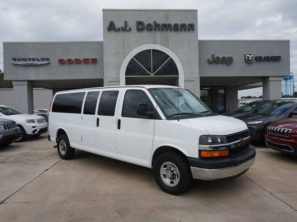 2014 *Chevrolet Express* 3500 LT w/1LT 155WB - Summit White