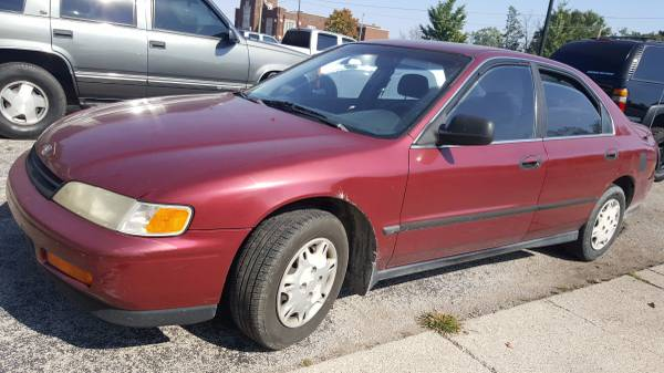 1995 Honda Accord 4dr Gas saver Auto Sedan Cheap Car