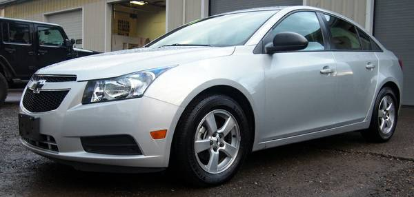 2014 CHEVROLET CRUZE MANUAL!!! LOW MILES!! GAS MILEAGE!!