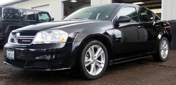 2012 DODGE AVENGER V6 LOW MILES!!!!