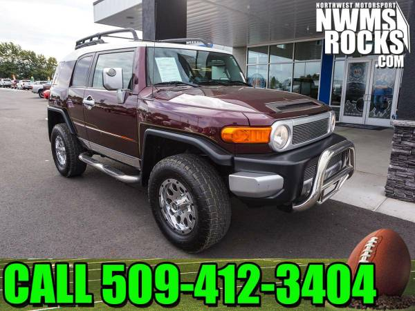 2007 *Toyota FJ Cruiser* 4x4 - One Previous Owner! 2007 Toyota FJ Crui
