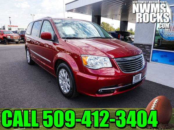 2016 *Chrysler Town And Country* Touring FWD - Power Driver Seat! 2016