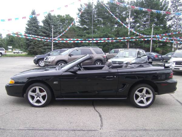 1995 Ford Mustang GT CONVERTIBLE THIS IS A COLLECTOR