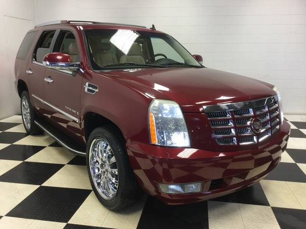 2008 CADILLAC ESCALADE AWD HARD LOADED! 3RD ROW! LTHR! NAV! DVD! SNRF!