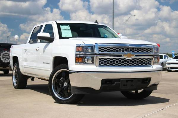 2015 CHEVY SILVERADO 1500 LT!! 4-WHEEL DRIVE!! NEW LIFT KIT & TIRES!