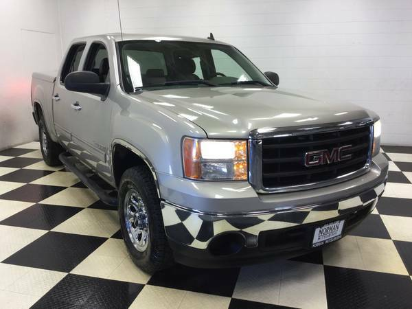 2008 GMC SIERRA CREWCAB V8 LEATHER LOADED! TANEAU COVER! OLD MAN OWNED