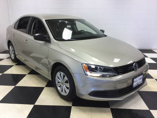2014 VOLKSWAGEN JETTA SEDAN LEATHER ONLY 33K MILES FACTORY WARRANTY!