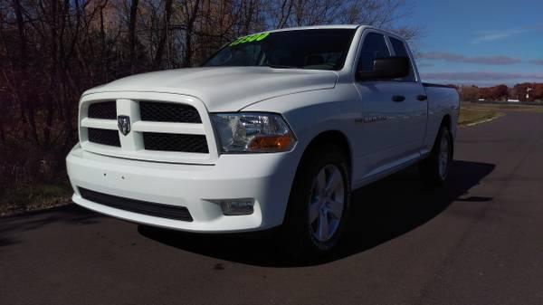 2012 DODGE RAM 1500 QUAD CAB 5.7 HEMI SLT 4X4 AUTO 6 SPEED (150K)