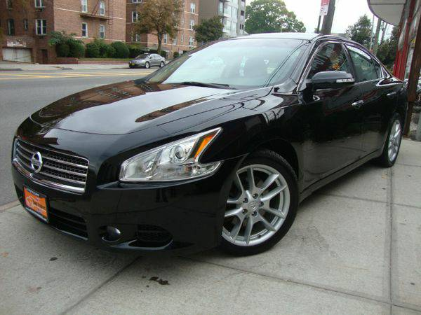 2010 *Nissan* *Maxima* 4dr Sdn V6 CVT 3.5 SV w/Premiu WE FINANCE!!
