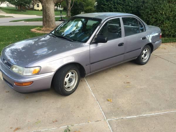 1997 Toyota Corrola Runs Great!! Clean!