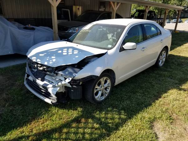 2012 Ford Fusion 82k miles BUILDER