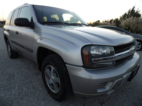 ** LOW MILES ** 2004 CHEVY TRAILBLAZER 4X4 ** SHARP **