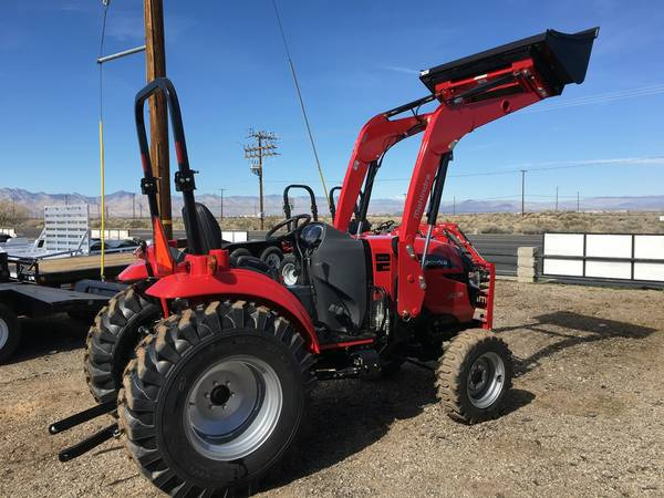 Mahindra Tractor 1538 HST 4WD, 2016 Red Tag Sales Event !