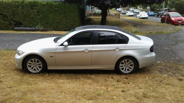 **2006 BMW 325i**LUXURY AND POWER IN ONE**