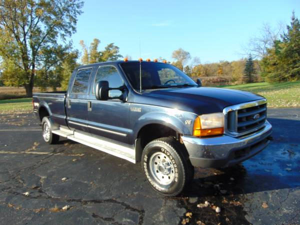 2000 FORD F350 4X4 XLT CREW CAB 4DR 5SPEED 6.8 LTR V10 LONGBOX XCLEAN!