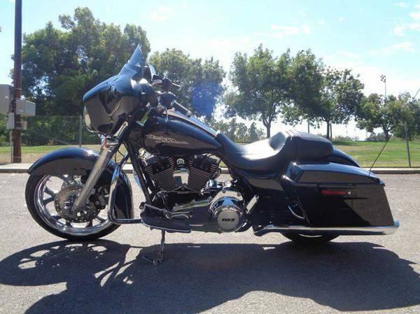 2012 *Harley-Davidson* *Street* *Glide* **Your Job Is Your CREDIT***