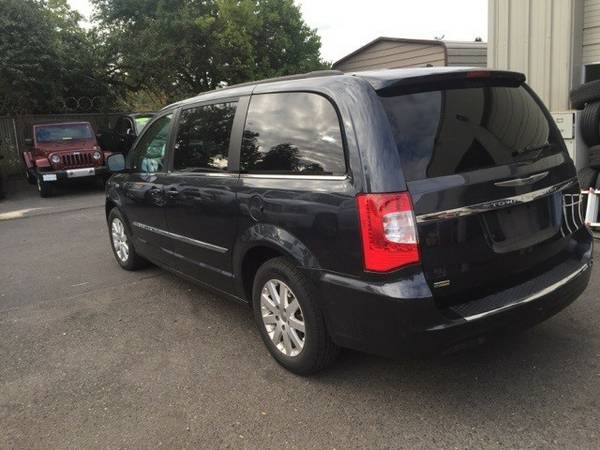 2014 *Chrysler* *Town* *&* *Country* *Touring* 4D Passenger Van