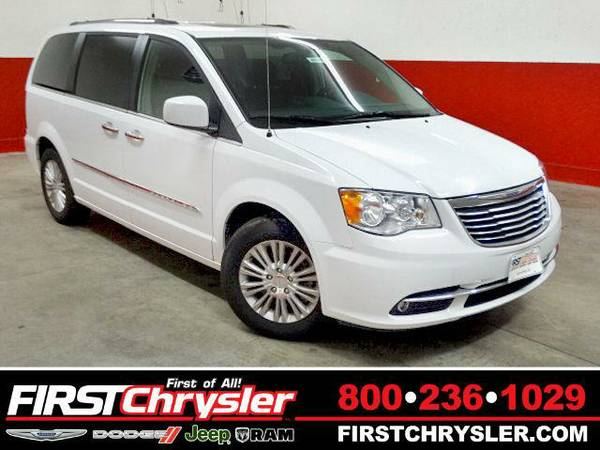 2015 *Chrysler Town & Country* Limited - Chrysler Bright White...