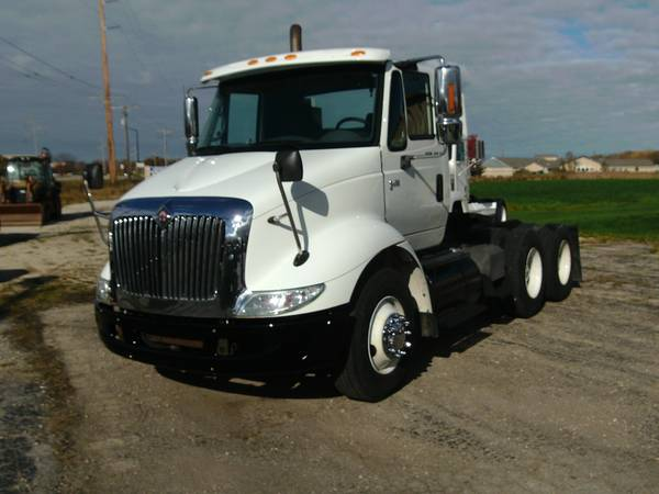2005 International 8600 Semi