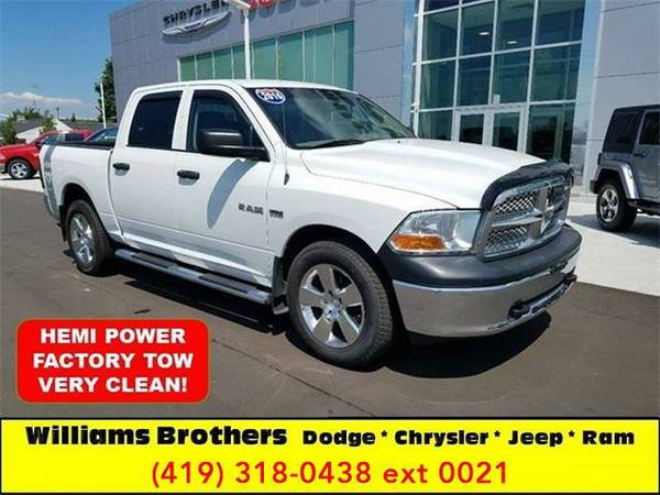 2010 *Dodge Ram Pickup 1500* ST 4x4 4dr Crew Cab 5.5 ft. SB Pickup...